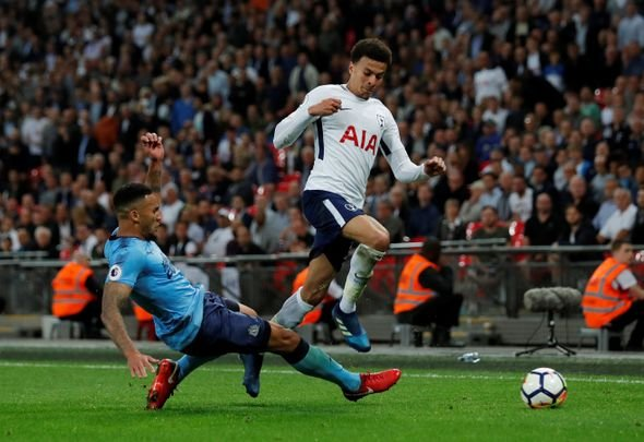 Liverpool should try to land Lascelles this summer