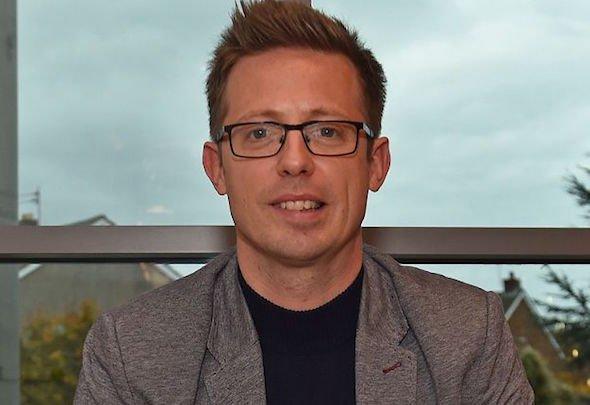 Whelan raves about Edwards amid Van Dijk contract talk